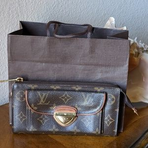 Authentic LV Monogram Astrid wallet